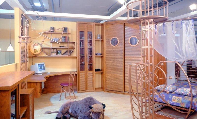 дизайн, детская комната, салатный цвет, кровать, стол, стул, шкаф, игрушка, потолок. Интерьер детской